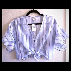 NWT Moon River blue and white striped crop top